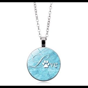 NEW PAWS  LOVE PENDANT NECKLACE